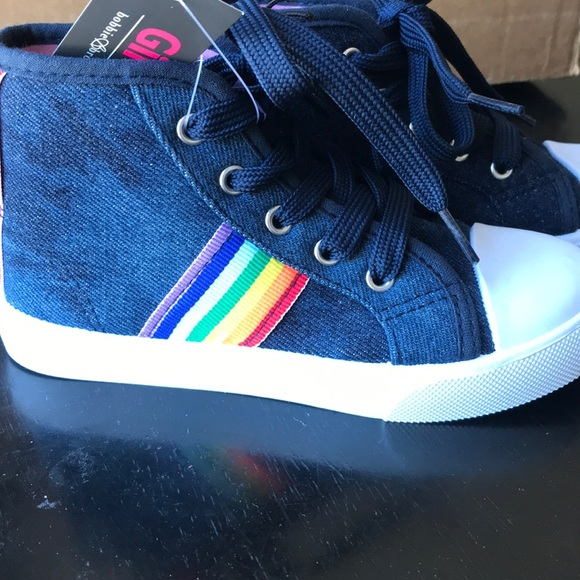brooks high top sneakers